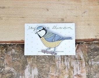 Illustrated blue tit bird brooch/pin