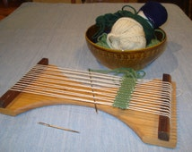 "The ""Minnow"" Small Hand Held Loom"