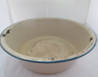 Rustic Cream Enamel Basin with Bright Blue Trim Enamel Bowl Kitchen Bowl Enamel container Metal Bowl Fruit Bowl Enamelware Basin