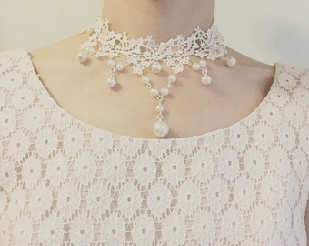 Victorian White Flower Lace Choker with Pearls