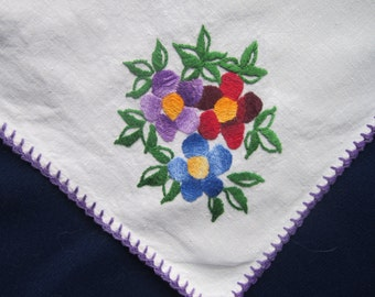 1950s hand embroidered floral linen tablecloth