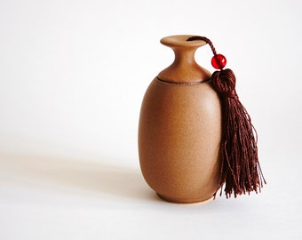 The Simple NavajoWhite Ceramic Storage Jar, Tea pot, storage, Jar