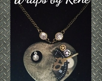 Steampunk Heart Necklace/Steampunk Jewelry/Watch Necklace/Clock Necklace/Steampunk Gift/Steampunk Pendant/Heart Pendant/Mothers Day Jewelry