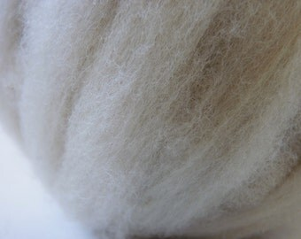 Teeswater x Rambouillet x Suffolk Wool Roving Pale Silver Grey