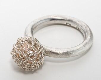 Crochet Pearl ring