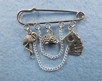 Alice in Wonderland Flamingo croquet kilt pin brooch (50 mm).