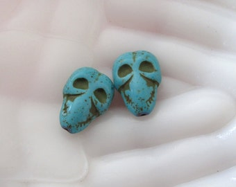 Antique Finish Dyed Howlite Skull  Pendants  *****CHOICE of Color********