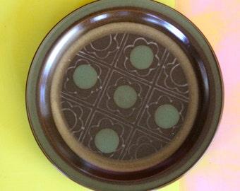 Vintage 1970's Stoneware   Dinner PlatePlate