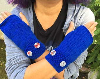 Fingerless Gloves / Mittens - With hand drawn Doctor Who buttons