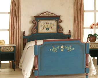 Polichromed Doble bed, 1:12 scale. Handpainted.