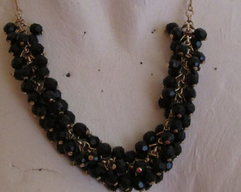 """vintage goldtone chain necklace with beautiful black stones 18,5""""extends 2""""good condition"""