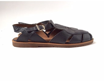 Caged T-strap Buckle Sandals size 8