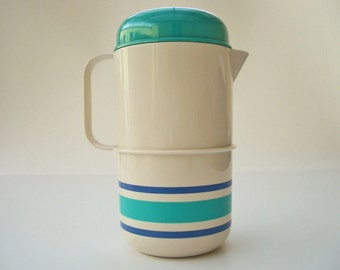 Picnic Pitcher with 2 glasses, vintage plastic jug 1970s made in Italy