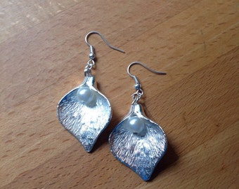 Large silver calla lily leaf with pearl -earrings