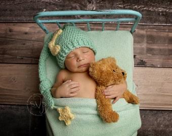 Crochet Baby Moon Hat/Newborn Moon and Star Hat/Newborn Photo Prop/Moon and Star Hat/Newborn Stocking Cap /Elf Hat/Photography Prop