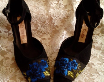 Black suede leather shoes,art shoes,romantic,shabby chic,elegant,endladesign,embriodered floral shoes