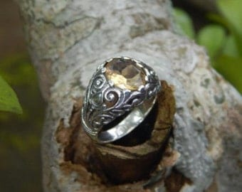 Silver ring flower motif with citrine stone