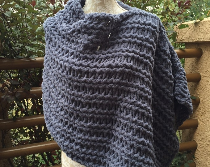 Featured listing image: Poncho - a loom knit pattern