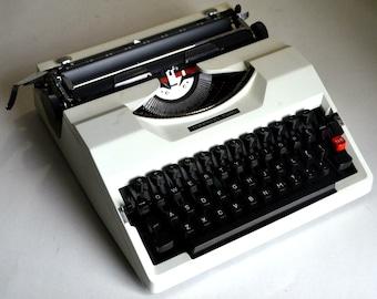 Working Typewriter - Beautiful white Torpedo 10/40 Typewriter - Working Perfectly
