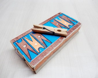 Vintage Wooden Clothes Pegs, Original Package with 24 wooden clothes pegs from '80s