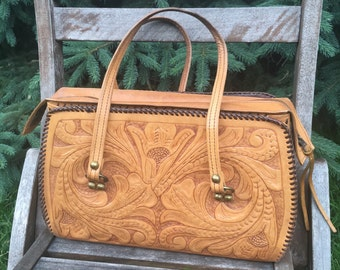 ON SALE! Vintage Boho Tooled Brown Leather Purse / Hand Bag