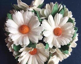 25 Handmade Paper/Parchment Daisy-White