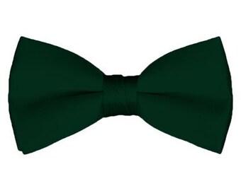 Solid Pre-Tied Green Bow Tie