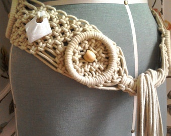 Vintage 1970s Macramé Belt Shells Wooden Toggles Long Fringes Textile Knotted Belt Gold Beige Macramé Belt Boho Hippie Festival Re-enact