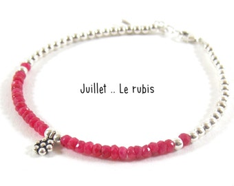 Born in july Ruby. Give her the stone of month of birth on a pretty silver bracelet 925.