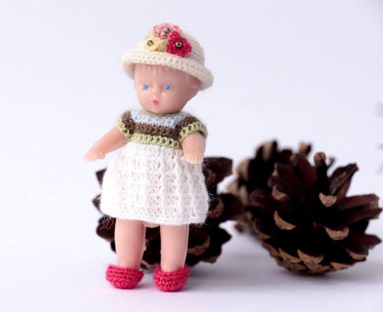 Crochet Mini Doll Clothes : Miniature crochet clothes for doll 2. Dollhouse by Creativhook