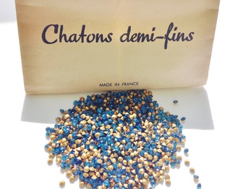 Pack of 1000 x Sapphire Vintage rhinestones 'Chatons demi-fins' / Gold foiled pointed back chatons / Jewellery making