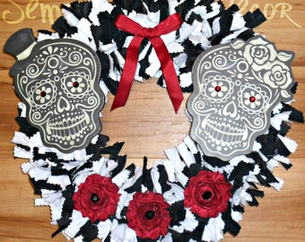 Sugar Skull Wreath, Skull Wreath, Sugar Skull Decor, Day Of The Dead, Skull Decor, Halloween Door Decor, Dia De Los Muertos, Fabric Wreath