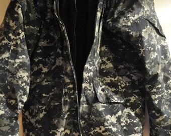 Meduim Navy Gortex Coat