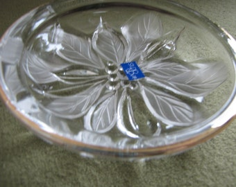 Mikasa Crystal Gilded Poinsettia Candy Dish Studio Nova Line Frosted Glass Christmas Bowl Holiday Christmas Decor Or Serving Tray