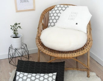 "Cushion in linen ""Home sweet Home, for a soft and natural decoration"