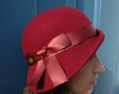 The Flapper - Cloche felt hat - 1920s slyle - Bordeaux