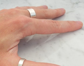 set of two simple silver wedding rings, basic silver rings, pure jewelry, set minimalistic wedding bands