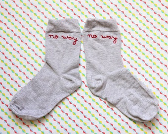 No way embroidered socks / Chaussettes brodées No way
