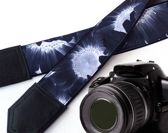 Sunflowers Camera strap.  Black and white camera strap. DSLR / SLR Camera Strap. Camera accessories. Finds for you by InTePro