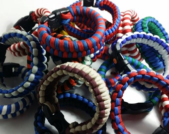 Lot of 10 paracord bracelets selected at random. Last minute gifts