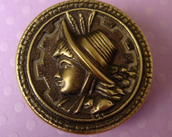 Antique Sewing Victorian Button - Young Girl & Bonnet  - Ancien bouton