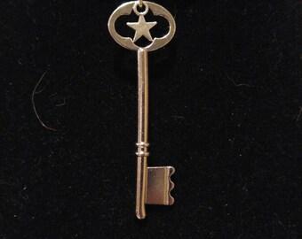 Skeleton Key Choker