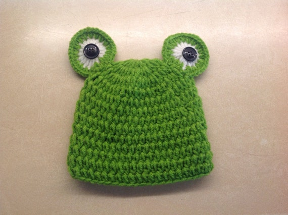 Knitting Pattern For Frog Hat : Items similar to Baby Frog Knit Hat on Etsy