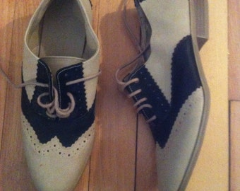 Women oxford shoes size 6.5- 7us