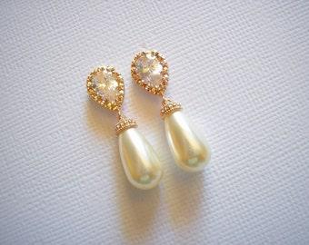 ON SALE - Rose Gold and Swarovski Teardrop Pearl Bridal Earrings White Ivory Pearls Vintage Wedding Bridesmaids