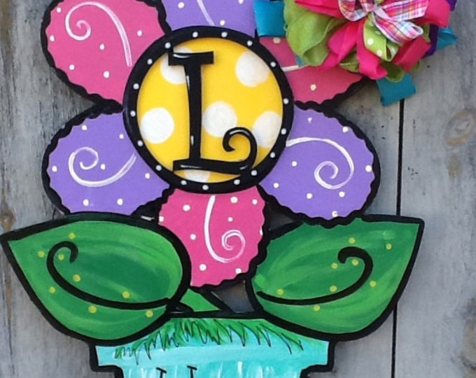 Flower door hanger, summer door hanger, spring door hanger, daisy door hanger, flower monogram sign, flower sign, summer sign, spring sign