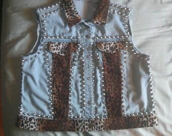 Studded Denim vest with Leopard print trimming, size Large