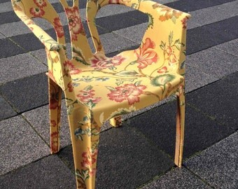 Chair lined with exclusive furniture fabric