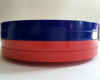 Vintage HELLER Dinner Plates Red and Blue | Massimo Vignelli | Hard Plastic | Set of Four