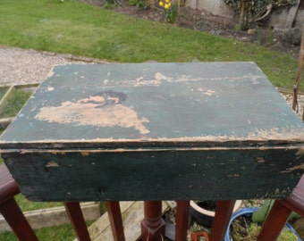 Geougeous Old lidded Wooden Transport Box circa 1930 for a ships instument for gauging distance travelled.